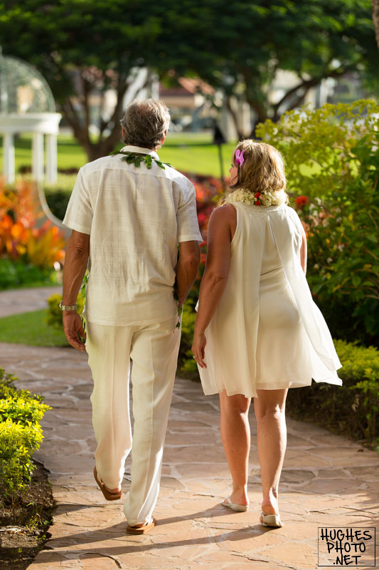 Couple Strolls through Grand Wailea Resort